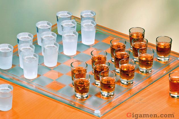 gigamen_Shot_Glass_Checkers_Set