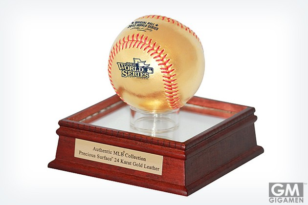 gigamen_2013_World_Series_24KT_Gold_Baseball_in_Glass_Case