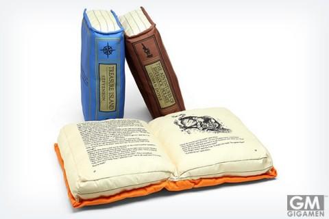 gigamen_Olde_Book_Pillow_Classics