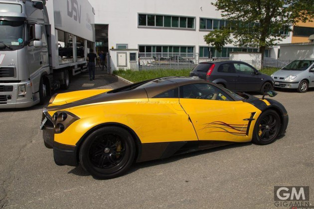 gigamen_Yellow_and_Brown_Pagani_Huayra