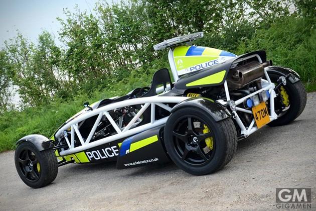 gigamen_Ariel_Atom_police_car02