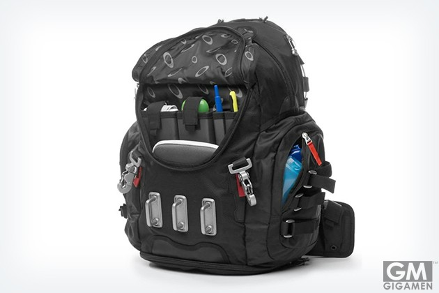 gigamen_Oakley_Kitchen_Sink_Backpack01