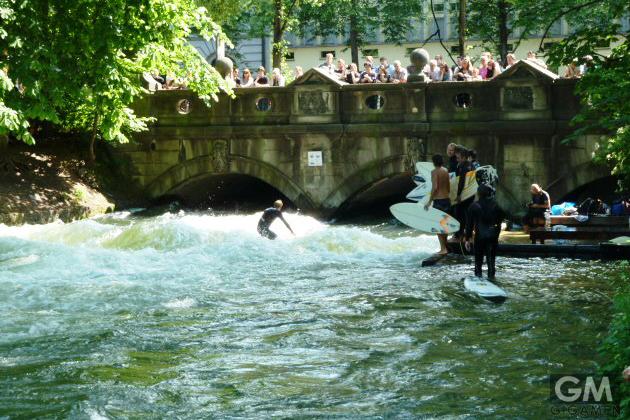 gigamen_Eisbach_River_Wave01