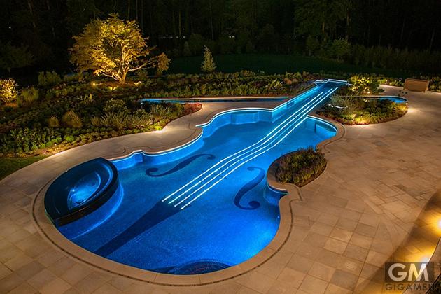 gigamen_Violin_Shaped_Swimming_Pool01