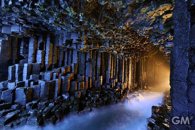 gigamen_Fingals_Cave