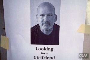 電柱の張り紙で恋人募集した場合、はたして上手く行くのか?