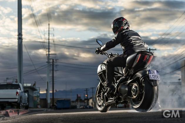 gigamen_Ducati_Diavel_Titanium02