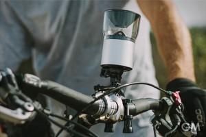 360度、超パノラマビューで録画できる「V360 ACTION CAMERA」