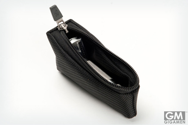 gigamen_Waterfield_Razor_Case01