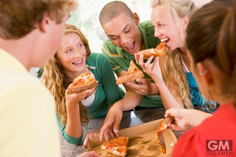 gigamen_Benefits_Eat_pizza