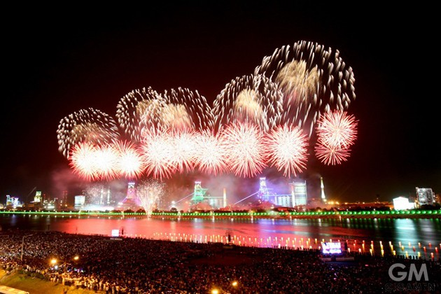 gigamen_World_Fireworks_Displays06