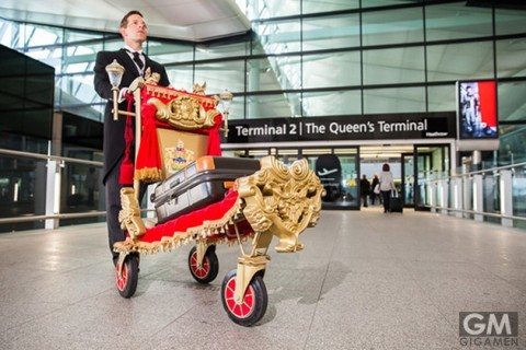 gigamen_Golden_Trolley_Heathrow_Airport