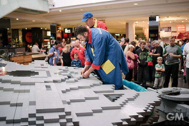 gigamen_Lego_Millennium_Falcon01