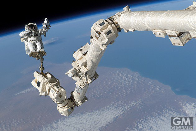 gigamen_international_space_station_gadgets_latter01