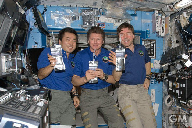 gigamen_international_space_station_gadgets_latter02