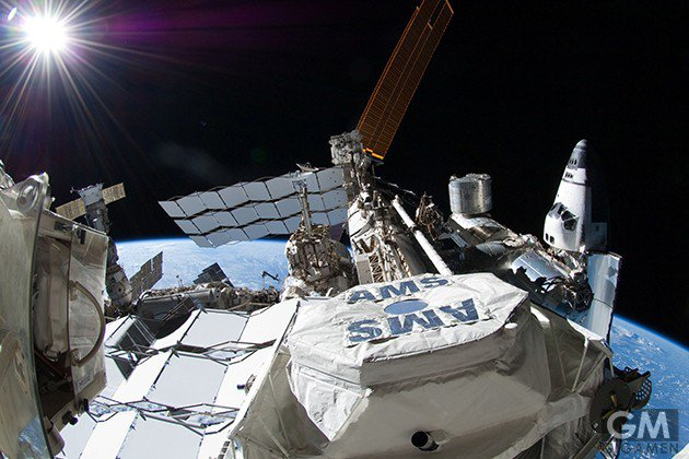 gigamen_international_space_station_gadgets_latter03