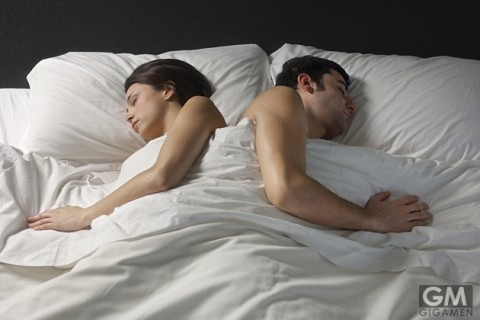 gigamen_Couples_Sleeping_Position09