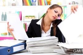 gigamen_Stretch_Desk_Job